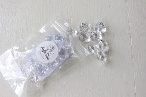 セリアで販売されている透明なアクリルストーン